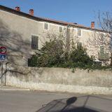 Maison 8 pièces / 240 m² / 445 000 € / SAINT-CHAPTES
