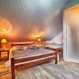 Commerces 40 pièces / 1250 m² / 180 000 € / SELONNET